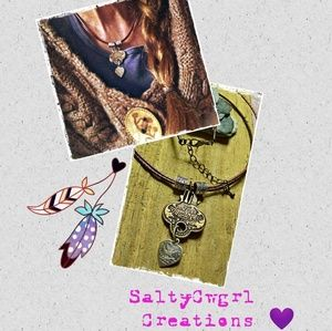 📿 ANTIQUED BRASS KEY AND HEART PENDANT NECKLACE